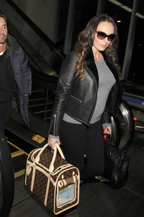 Celebrities-and-Louis-Vuitton-Luggage-10.jpg